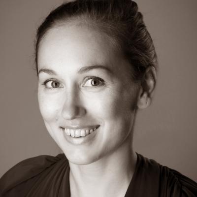 Dr. Natalia Strobel